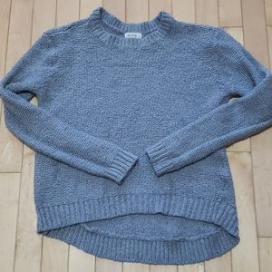 Pretty high low sweater!